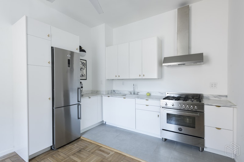 305 EIGHTH AVENUE, Park Slope, $550,000, Web #: 18360293