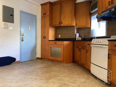 BRIGHT ,SPACIOUS  IN NOLITA. NO FEE!