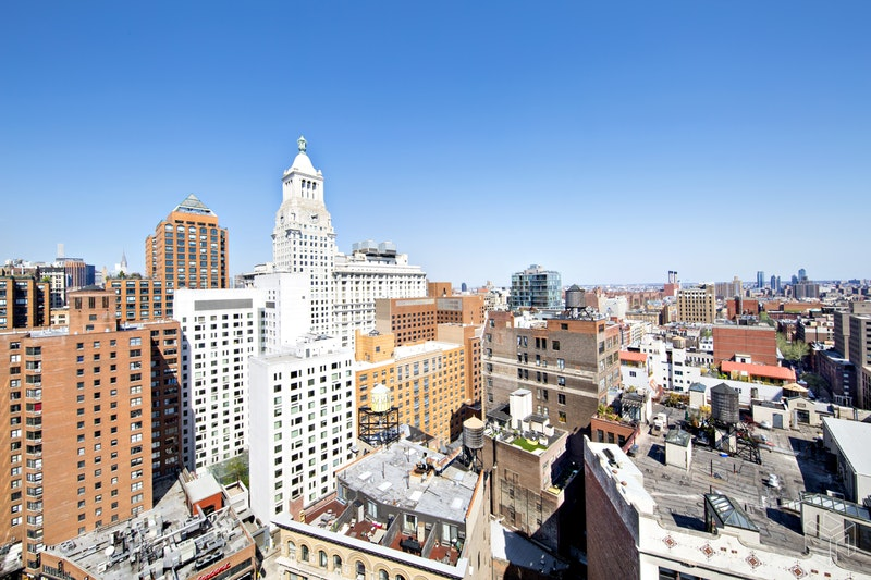 77 EAST 12TH STREET 17D, East Village, $825,000, Web #: 18437662