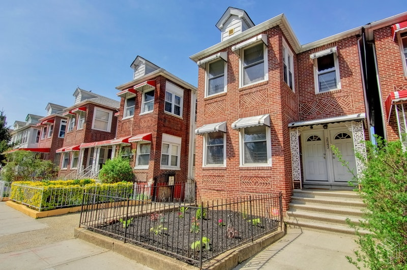2543 HOLLAND AVENUE, Bronxwood, $680,000, Web #: 18468190