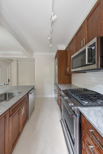 98 RIVERSIDE DRIVE 2A, Upper West Side, $8,764, Web #: 18527026