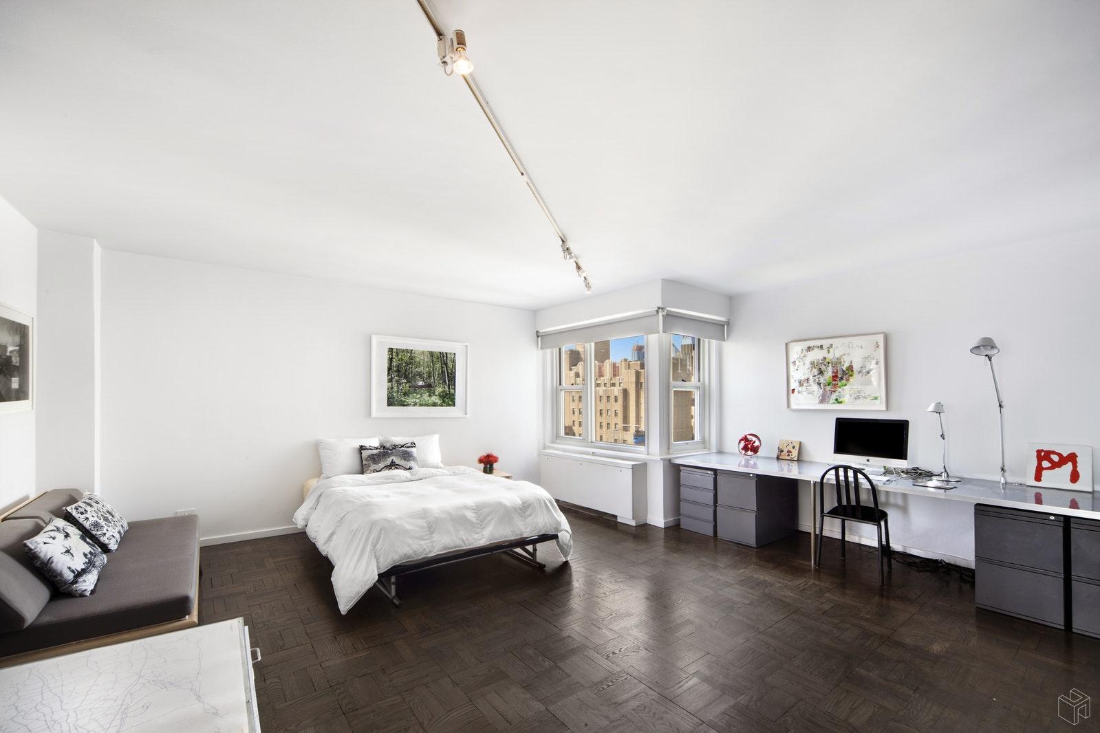 101 WEST 12TH STREET 20L, Greenwich Village, $5,250,000, Web #: 18527115
