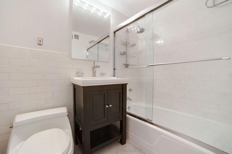 65 WEST 55TH STREET 11H, Midtown West, $4,000, Web #: 18528072