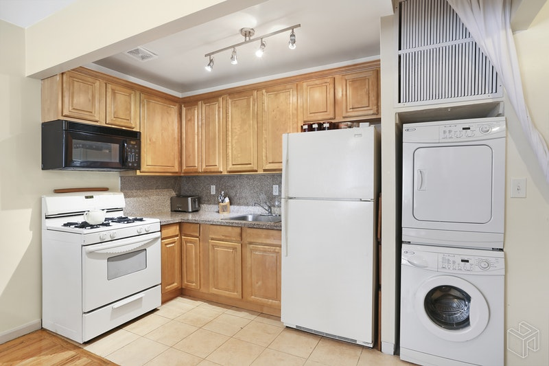 35 ESSEX STREET 3B, Lower East Side, $2,750, Web #: 18534041