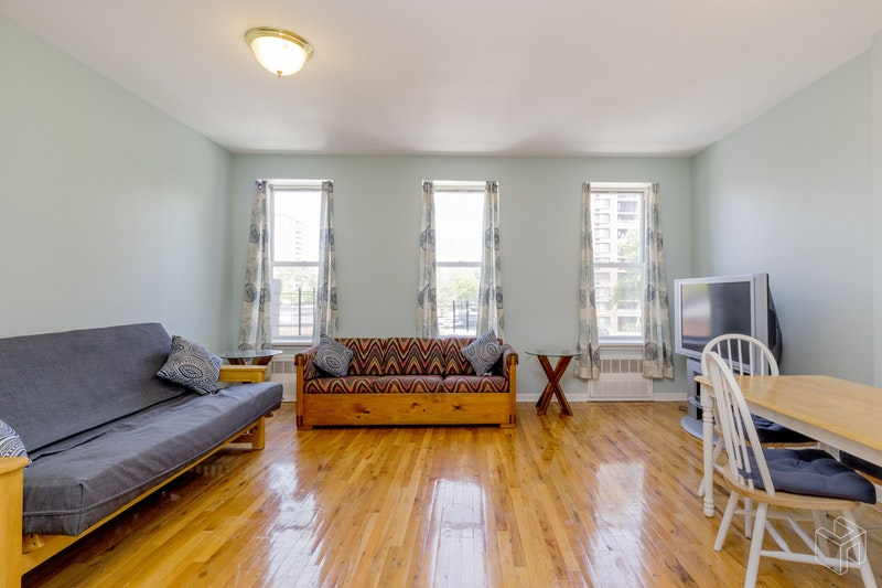 80 WEST 132ND STREET 2, Harlem, $1,750, Web #: 18554830