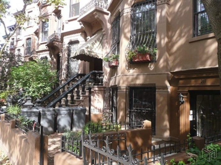 211 SAINT JOHNS PLACE, Park Slope, $2,450, Web #: 18558797