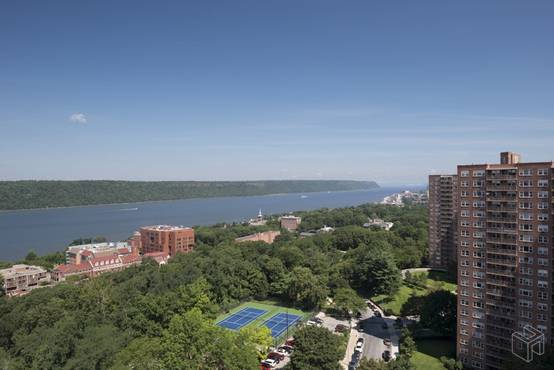 5800 ARLINGTON AVENUE 15W, Riverdale, $592,250, Web #: 18592819