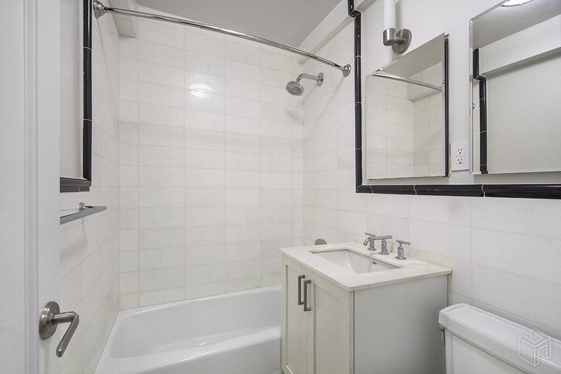 340 EAST 52ND STREET 8E, Midtown East, $2,723, Web #: 18612405