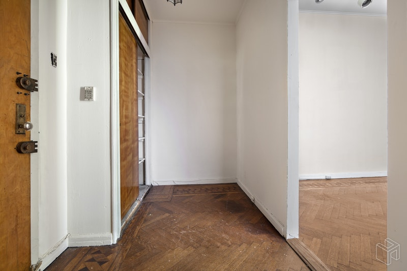 321 WEST 100TH STREET 1, Upper West Side, $875,000, Web #: 18619559