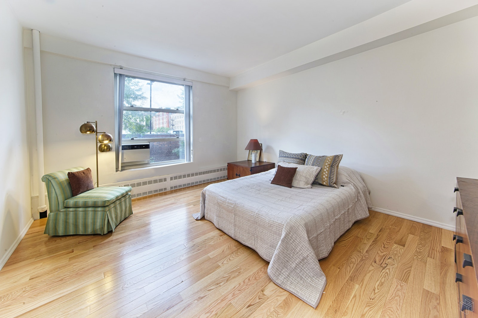 100 LA SALLE STREET 3B, Morningside Heights, $675,000, Web #: 18639448