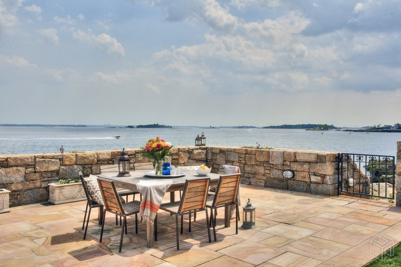 116 PREMIUM POINT, New Rochelle, $16,500,000, Web #: 18644900