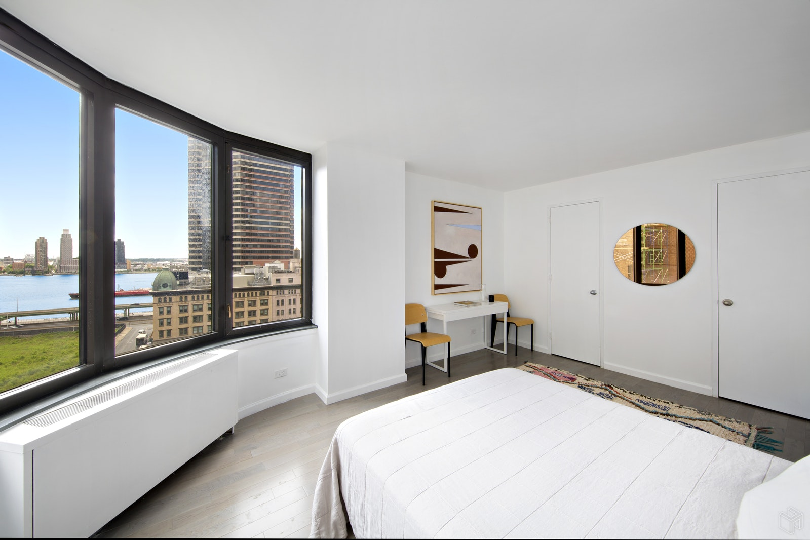 330 EAST 38TH STREET 12I, Midtown East, $999,000, Web #: 18649817
