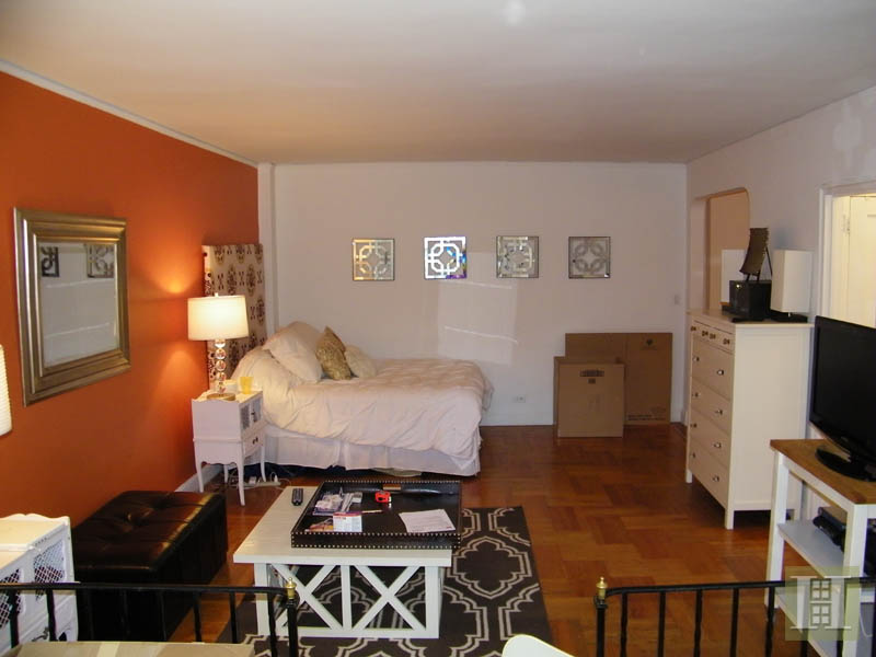 25 MINETTA LANE 5J, Greenwich Village, $2,695, Web #: 1865629