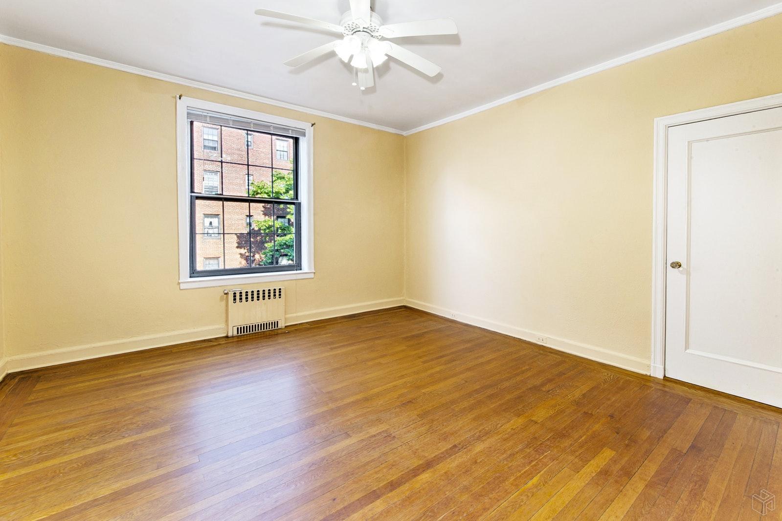 37 -51 84TH ST 21, Jackson Heights, $440,000, Web #: 18658429