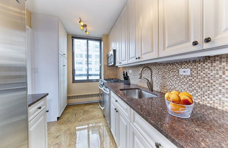 171 EAST 84TH STREET 14B, Upper East Side, $1,999,000, Web #: 18660524