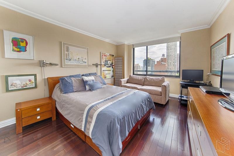 171 EAST 84TH STREET 14B, Upper East Side, $1,999,000, Web #: 18660524