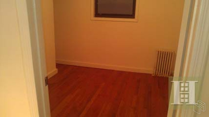 412 EAST 9TH STREET 3, East Village, $3,200, Web #: 18672265