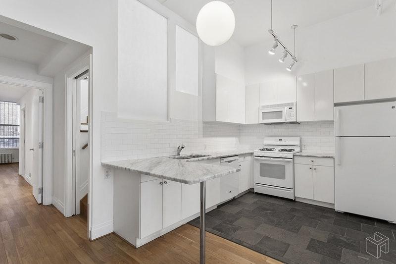 132 WEST 23RD STREET 2, Chelsea, $6,500, Web #: 18672948