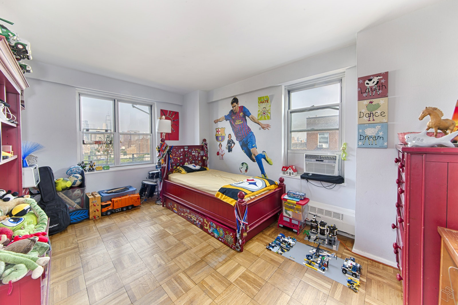 570 GRAND STREET, Lower East Side, $729,000, Web #: 18717514