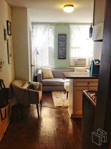 336 EAST 6TH STREET 4RW, East Village, $2,200, Web #: 18726615