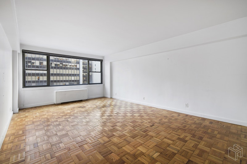65 WEST 55TH STREET, Midtown West, $2,550, Web #: 18737333