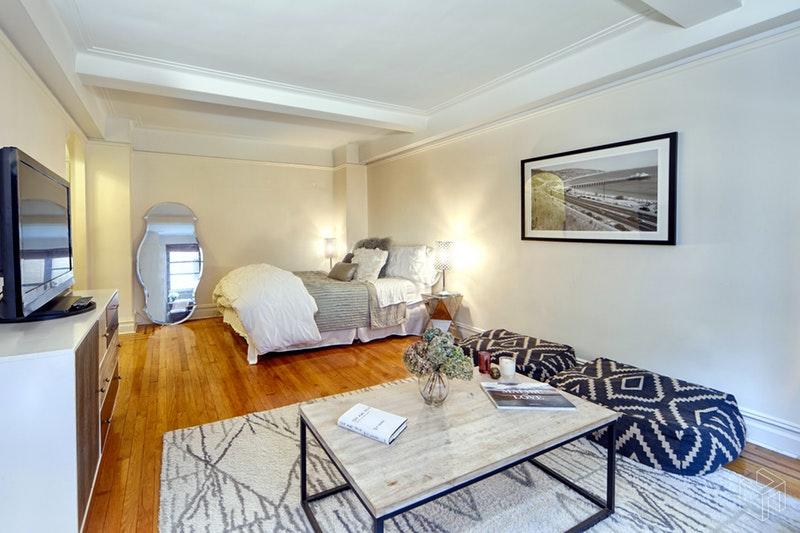7 PARK AVENUE, Murray Hill Kips Bay, $425,000, Web #: 18742507