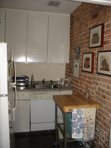 117 WEST 87TH STREET 3, Upper West Side, $3,200, Web #: 18750724