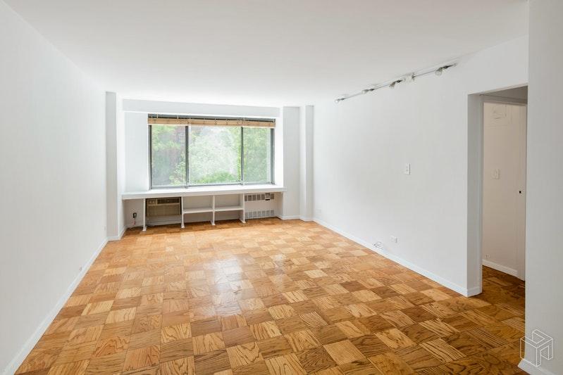 372 CENTRAL PARK WEST 3V, Upper West Side, $3,000, Web #: 18795990