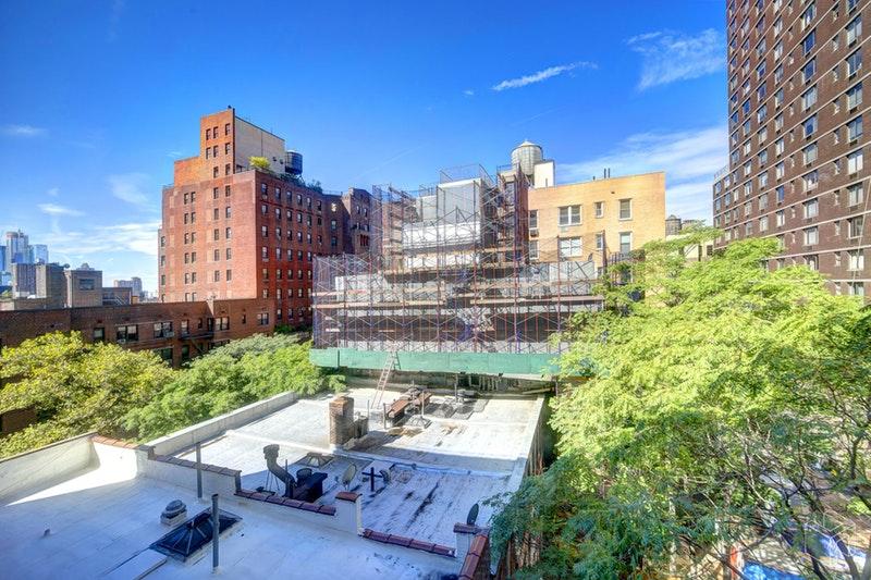 321 WEST 55TH STREET 74, Midtown West, $675,000, Web #: 18812639