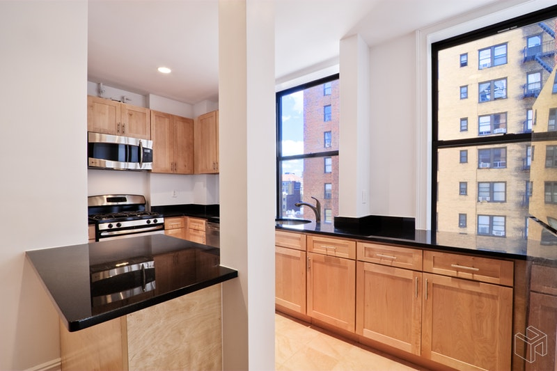 260 WEST 72ND STREET 9C, Upper West Side, $4,995, Web #: 18823183