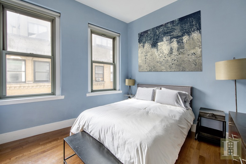 120 GREENWICH STREET 10F, Lower Manhattan, $879,000, Web #: 1885124