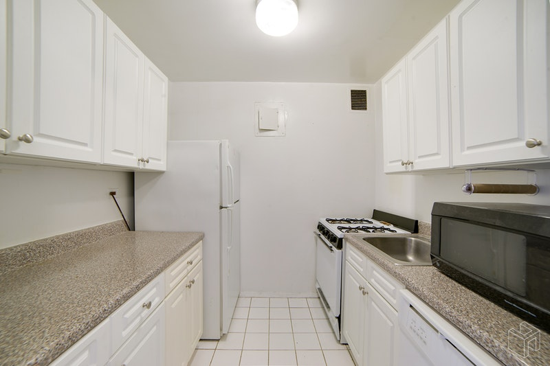 401 EAST 89TH STREET 4J, Upper East Side, $2,875, Web #: 18857325