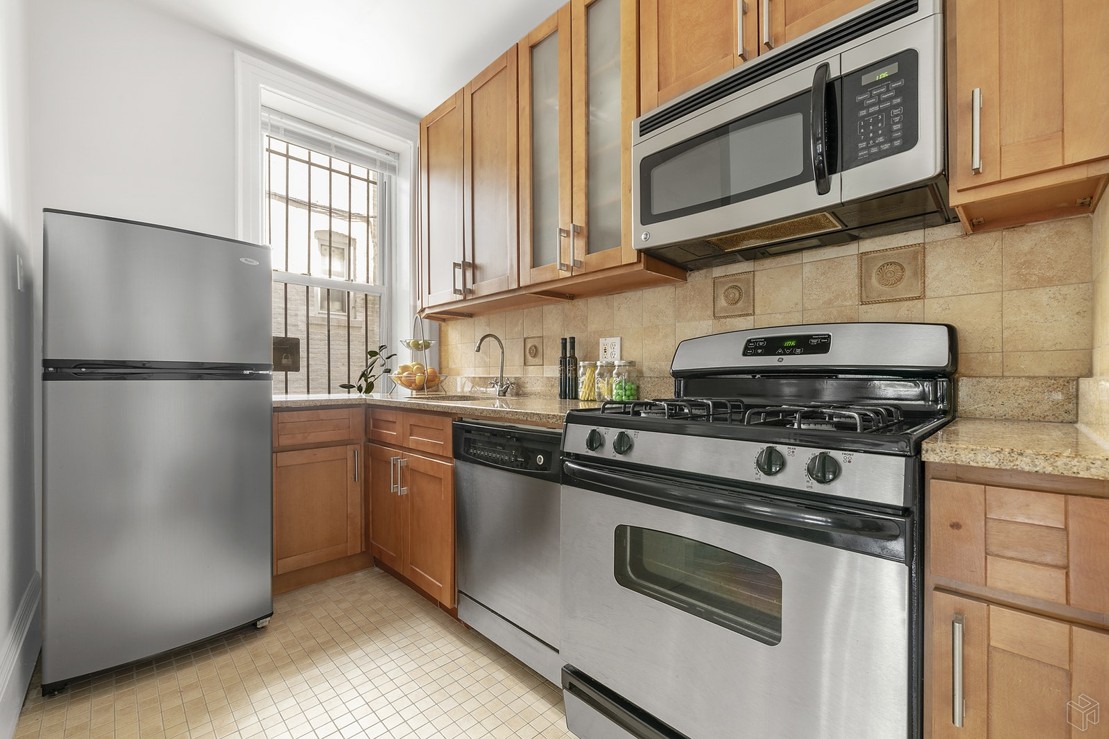 TWO BEDROOM SUNSET PARK!, Sunset Park, $520,000, Web #: 18869218