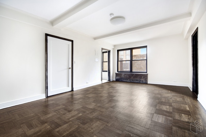 56 SEVENTH AVENUE 11G, West Village, $3,550, Web #: 18875197