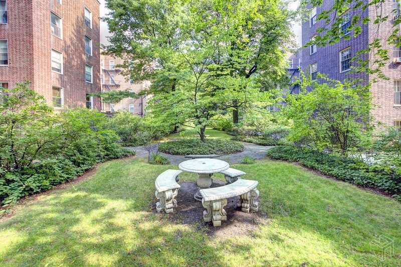 37 -51 84TH ST 42, Jackson Heights, $620,000, Web #: 18890471