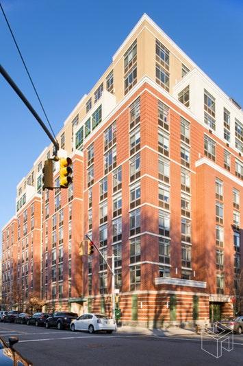 130 BRADHURST AVENUE 1203, Harlem, $439,000, Web #: 18904214