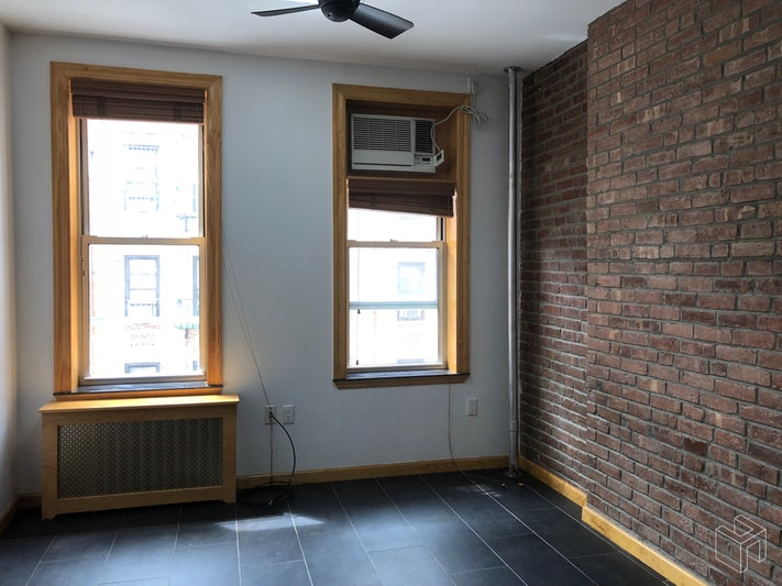 REAL TWO BEDROOM, EXCELLENT CONDITION, Chinatown, $2,500, Web #: 18923035