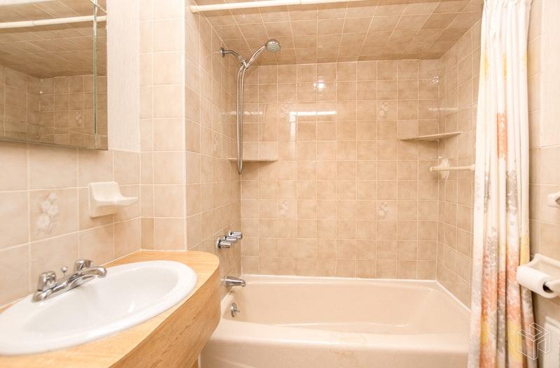 3401 KINGSBRIDGE AVENUE, Kingsbridge, $760,000, Web #: 18926542