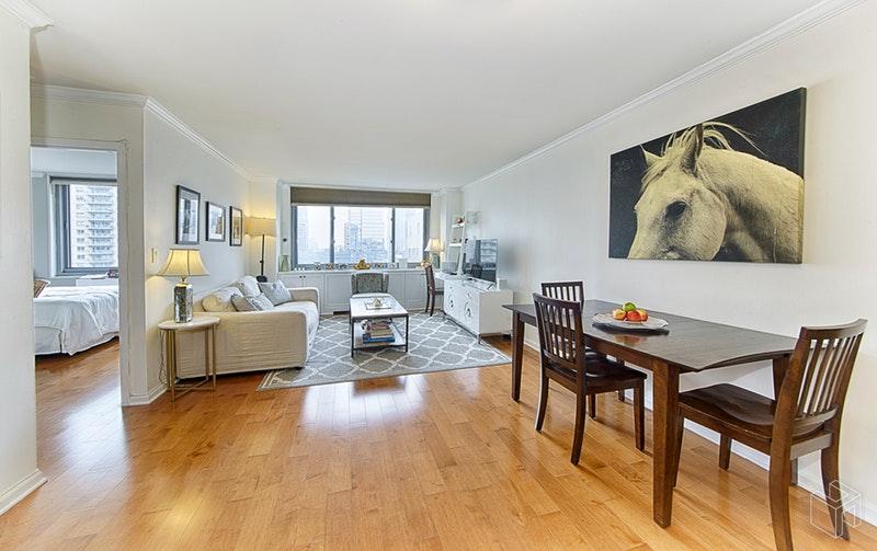 2025 BROADWAY 17B, Upper West Side, $3,200, Web #: 18939789