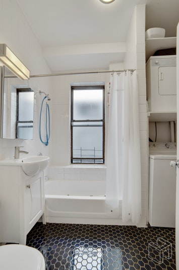 989 AMSTERDAM AVENUE 5A, Manhattan Valley, $3,800, Web #: 18940573