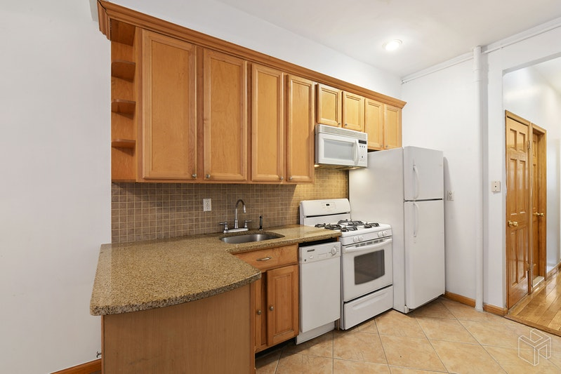 51 EAST HOUSTON STREET 1A, Nolita, $4,500, Web #: 18960402