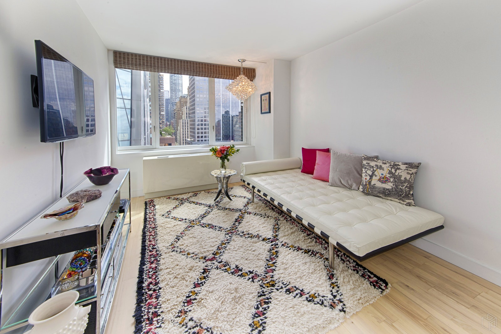 322 WEST 57TH STREET, Midtown West, $2,199,000, Web #: 18966713