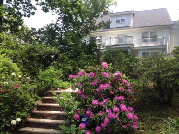 33 CLARENDON PLACE, Bloomfield, $439,000, Web #: 18975351