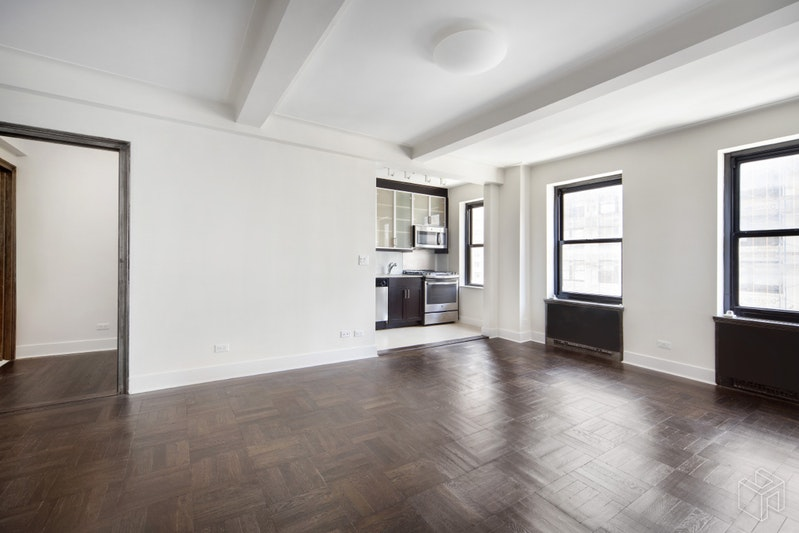 56 SEVENTH AVENUE, West Village, $3,575, Web #: 19001682