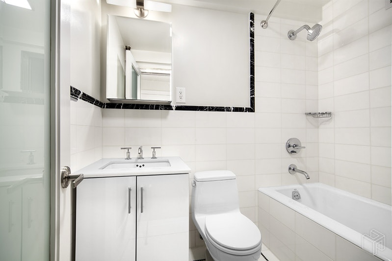 56 SEVENTH AVENUE, West Village, $3,575, Web #: 19001682