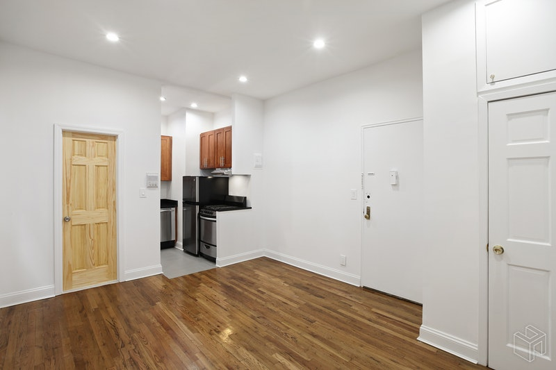 330 WEST 85TH STREET 2NDFL, Upper West Side, $2,150, Web #: 19010120