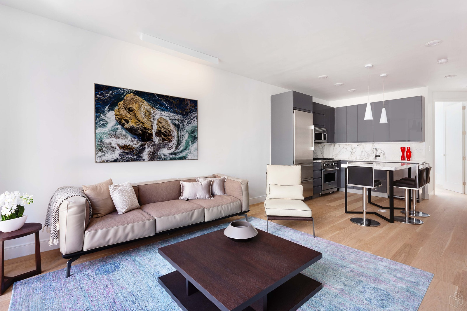 303 EAST 43RD STREET 7C, Midtown East, $1,135,000, Web #: 19098606