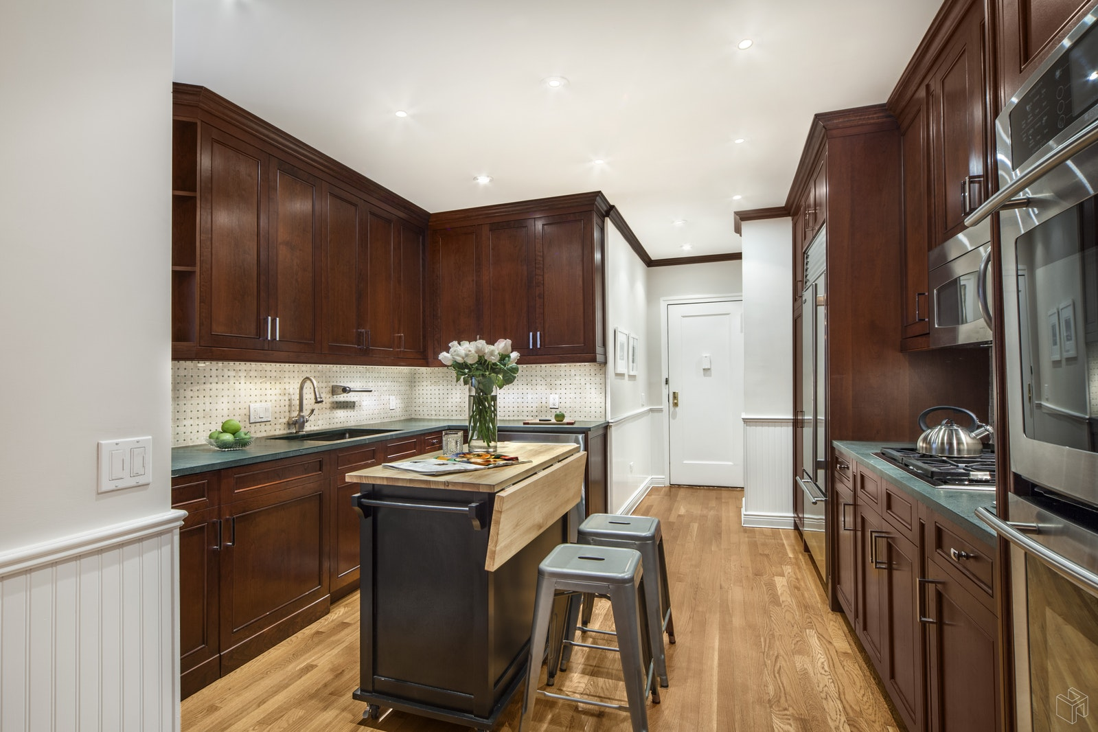 180 RIVERSIDE DRIVE 3E, Upper West Side, $2,275,000, Web #: 19101718