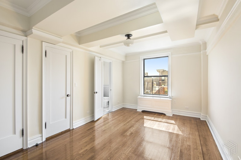 98 RIVERSIDE DRIVE 17F, Upper West Side, $7,995, Web #: 19102893