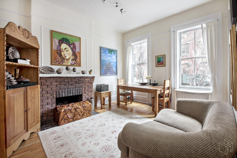 372 BLEECKER STREET, West Village, $4,500, Web #: 19107102
